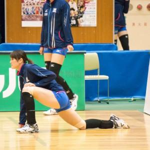 ≪女子バレー≫NEC対岡山 6(控えの選手は一生懸命準備します)