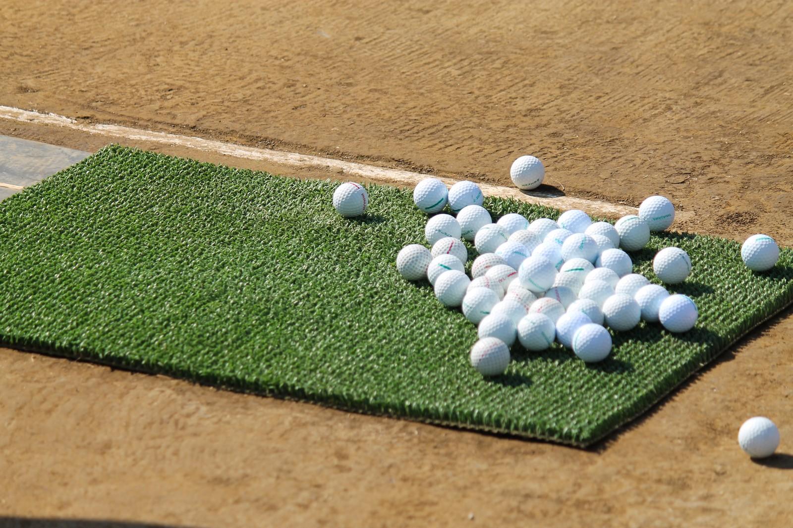 転勤族はゴルフセットも2台持ち。欲望を満たすためには出費が必要。